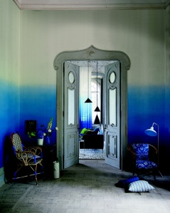 http://www.designersguild.com/fabric-and-wallpaper-showroom/view-all-collections/castellani-wallpapers/saraille/saraille-cobalt#.Utkj2BB5NHA