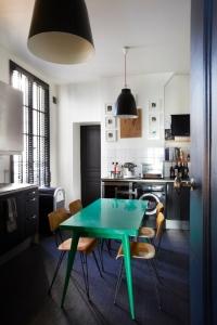 Emerald-Green-Interiors-Sarah-Lavoine-9(pp_w650_h975)