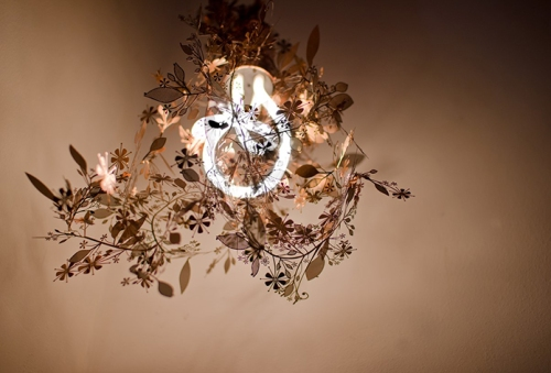 Plumen-001-and-Tord-Boontje-Garland-light-2