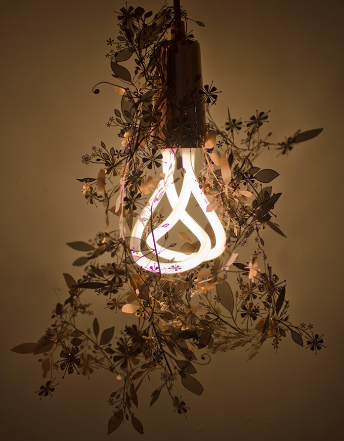 Plumen-001-and-Tord-Boontje-Garland-light