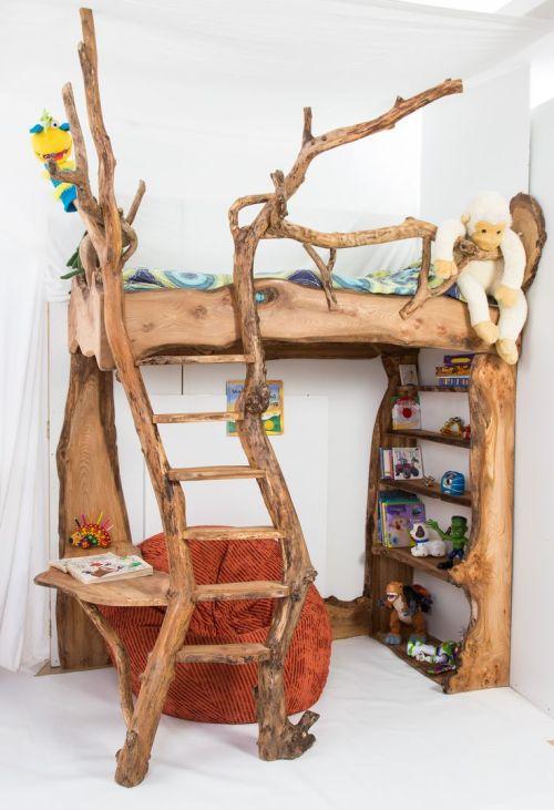 Igazi kis hobbitszoba, a fa eredetiségét megőrizve.