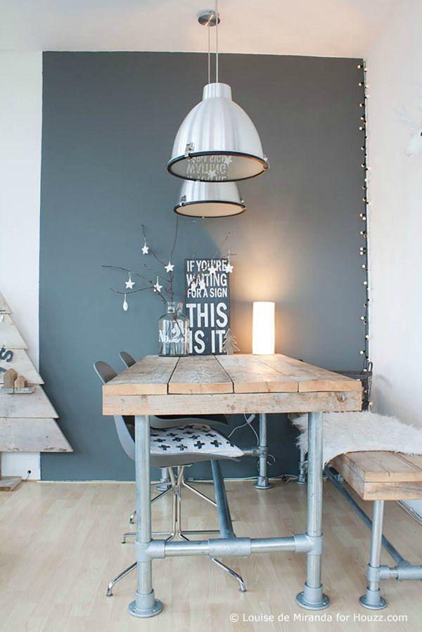 Fa asztal, szürkével