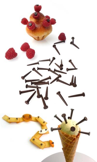Étel DIY csoki szögekkel.